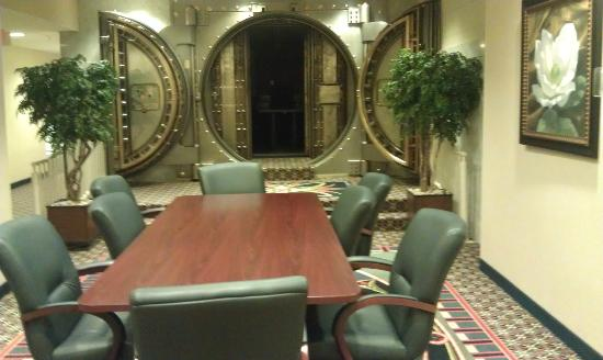 SpringHill Suites Baltimore Downtown/Inner Harbor: Old Vault