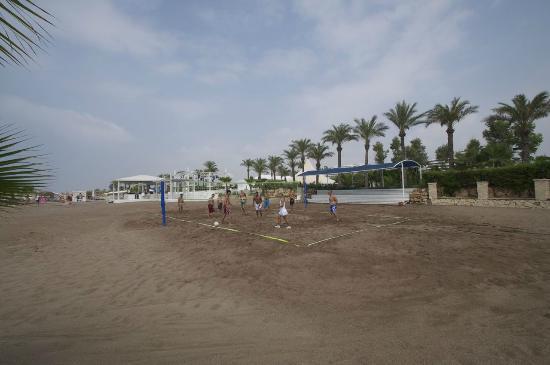 Titanic Beach Lara Hotel: beach volleyball 1