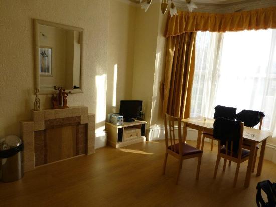 Arrandale House & Apartments : Living Area