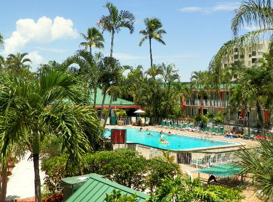 Foto De Wyndham Garden Fort Myers Beach Fort Myers Beach Pool Area As Seen From The Second