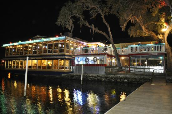 Riverside Crab House