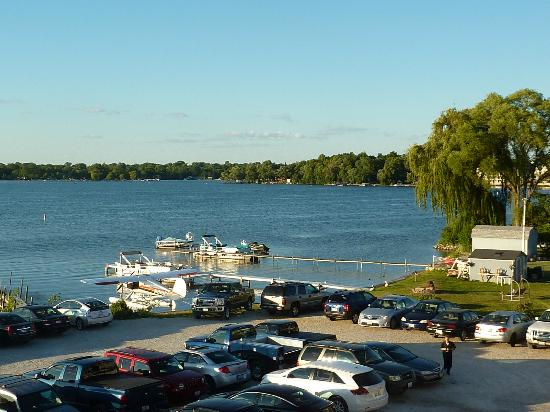 Docks Bar & Grill: Bangs Lake