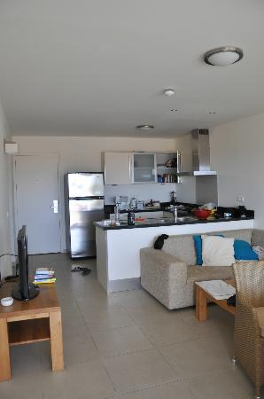Blue Bay Curaçao Golf & Beach Resort: one bedroom luxury apartment - great kitchen