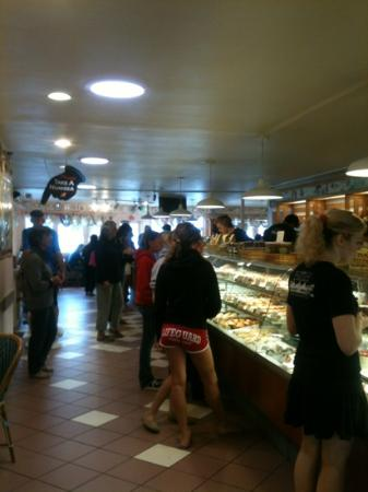 Gayle's Bakery & Rosticceria: what a deli!!