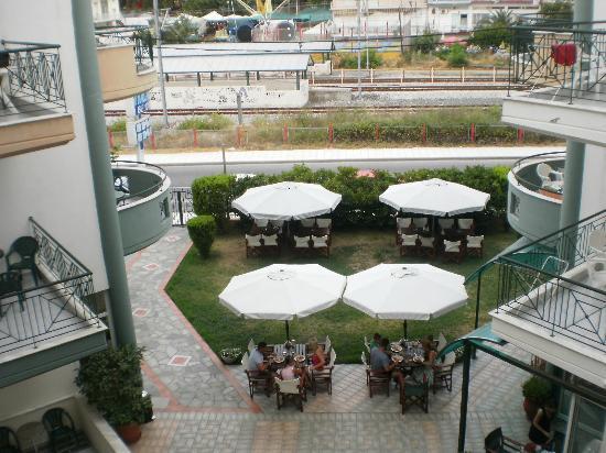 Hotel Filoxenia Beach: Widok z balkonu -Tu rzut na najbliższe otoczenie