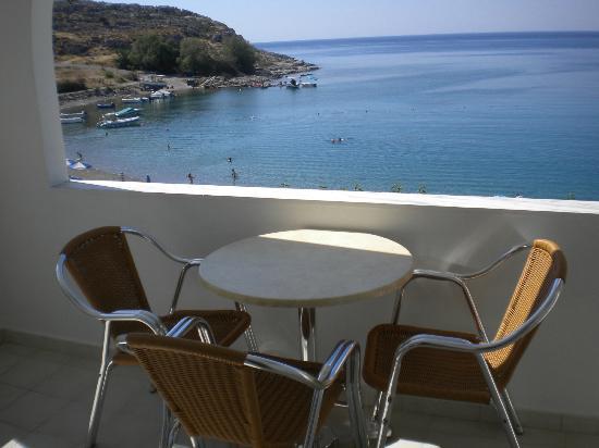 Haraki Bay Hotel: Front facing seaview room