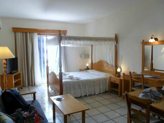 Kefalos Beach Tourist Village: room 649 (honeymoon suite)