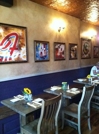 Leechburg, PA: bistro style in bar