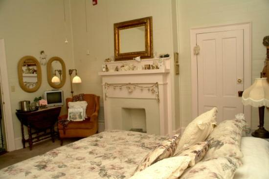 Cedar Key Bed and Breakfast: The Girl's Room