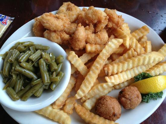 Doc's Seafood Shack and Oyster Bar: Fried Shrimp Plate.....delicious!