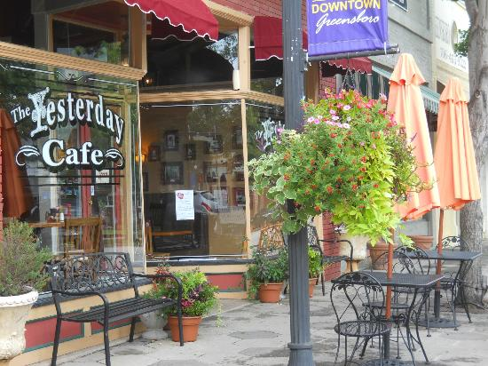 The Yesterday Cafe: Cute cafe on a cute Main St.