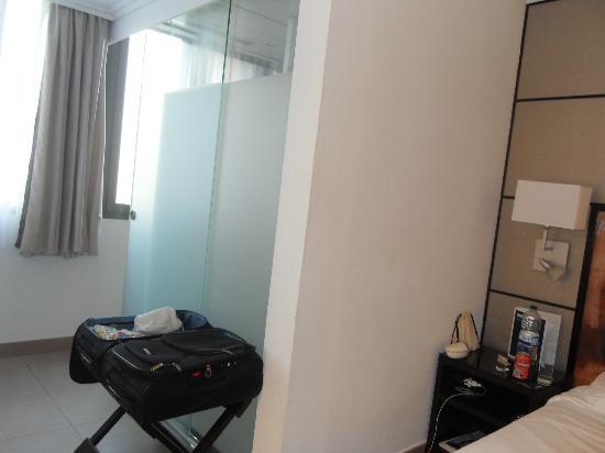 Hotel H10 Universitat: On suite