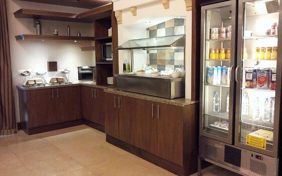 Staybridge Suites Abu Dhabi Yas Island: Breakfast