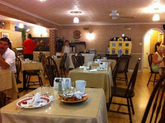 Waverley Inn: Breakfast Room