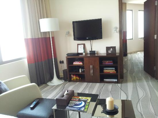 Staybridge Suites Abu Dhabi Yas Island: Living room
