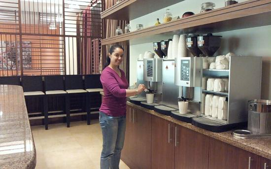Staybridge Suites Abu Dhabi Yas Island: Unlimitted coffee