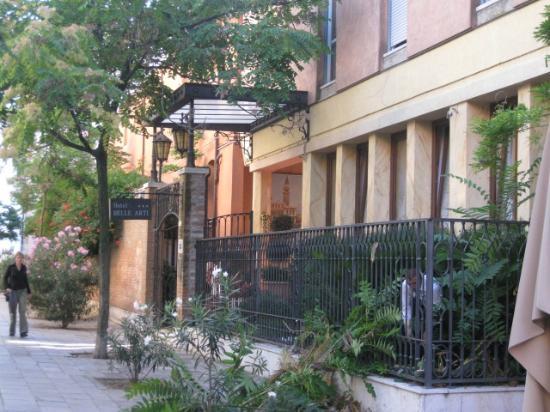 Hotel Belle Arti: Das Hotel liegt in einer ruhigen Strasse