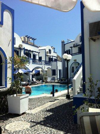 Roula Villa: hotellet