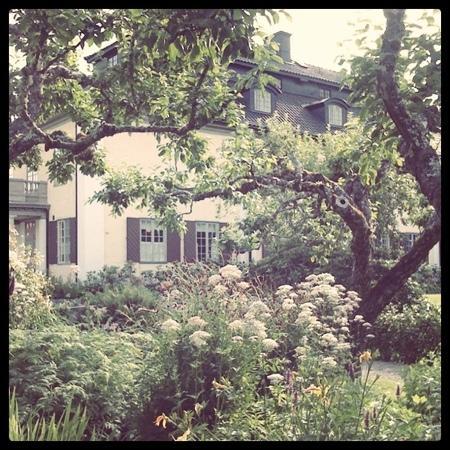 Sunne, Schweden: Selmas trädgård