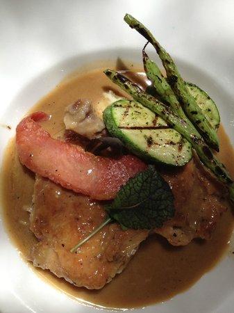 Elementos Restaurante: Roasted Chicken with Sausage