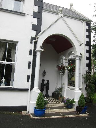 Arkle House Bed and Breakfast: Il portico d'ingresso