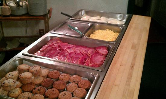 Oak Cove Resort: Breakfast Buffet