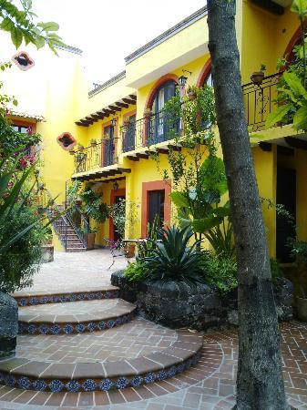 Casa Mia Suites Apartments: Otra sección de suites...