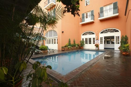 Dauphine Orleans Hotel: Courtyard Pool