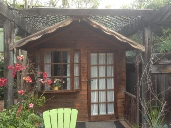Redwood Hollow - La Jolla Cottages: extra room with beach haven cottage