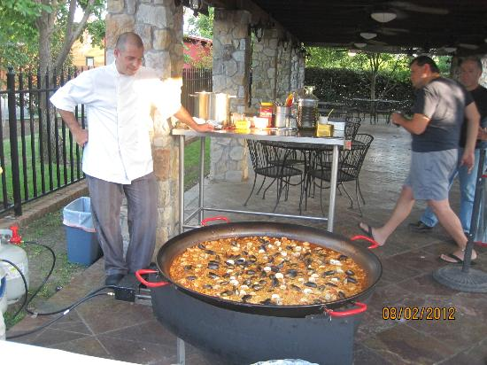 La Buena Vida Vineyards : Making of the paella