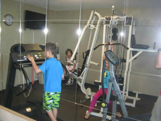 Quality Inn Downtown 4th Avenue: kids thought they needed to get in shape with exercise room