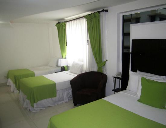 AZ Hotel & Suites: Habitacion Standard de 3 Camar