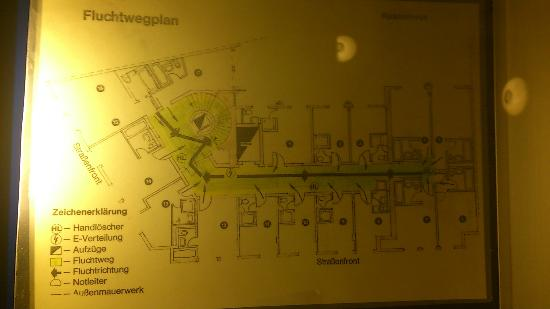 "Königshof Top Hotel: Floor plan! stay away from from rooms ""x17"""