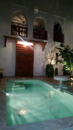 Riad Zineb: 中庭にあるプールも手入れが行き届いています