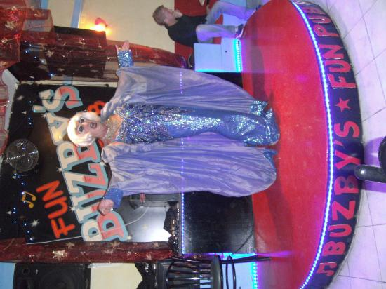 Lazy Days Bar and Restaurant: goog night ewith katy peteres our resident drag queen