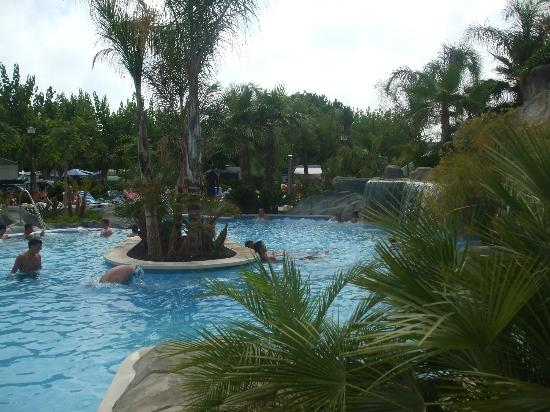 La Siesta Salou Resort & Camping: The pool area at camping la siesta