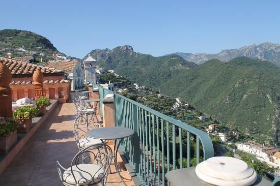 Palazzo Avino: top floor: public sun and jacuzzi area