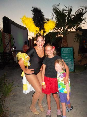 Villa del Palmar Beach Resort & Spa at The Islands of Loreto: The girls preparing for the Latino night show