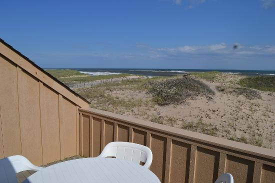 Windward Shores : Beautiful view from the terrace.