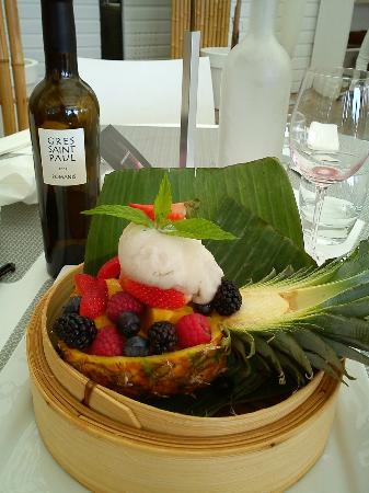 La Grande-Motte, Francia: 1/2 ananas. Paillote Bambou