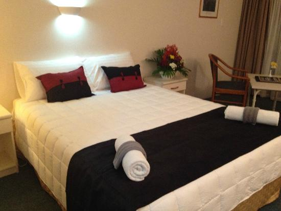 Allenby Park Hotel: The bed linen was of a Superior standard