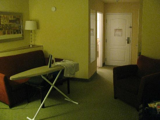 Comfort Inn & Suites: Strange angled shelf (left) in front of sofa bed.