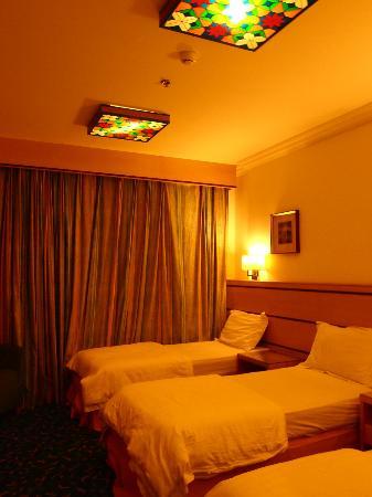 Al Olayan Al Khaleel: room
