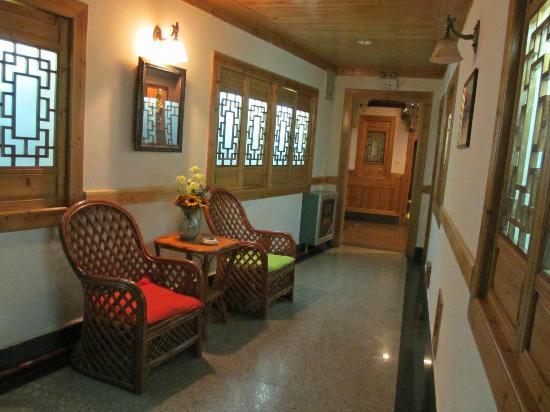 Rosewood Inn 이미지