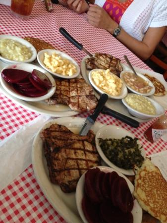 Bell Buckle Cafe: home cooked comfort food!
