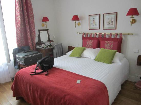New Orient Hotel: Room