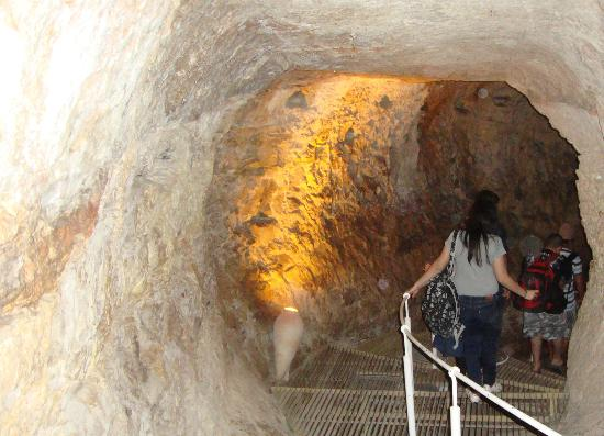 Hezekiah's Tunnel - Siloam Tunnel : The begining