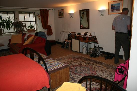 Penny Airey- No.38 Bed & Breakfast: Lot's of space plus small fridge, coffee, tea and hot choc