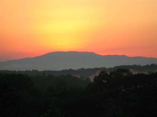 Blue Ridge Mountains: Sunset in the beautiful Mountains in Blue Ridge Georgia...