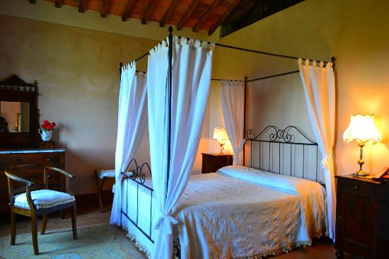 Villa Cicolina: bedroom of Il Balcone Suite